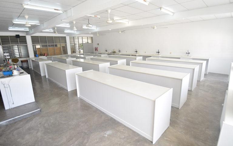 D03 物理室