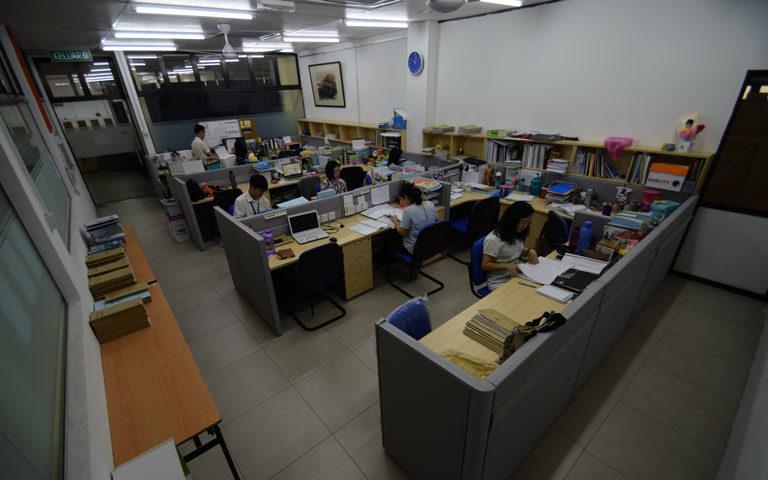 教师办公室(二)